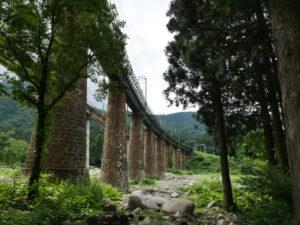 P1000212 300x225 - 鉄道カメラマンのオススメ「毛渡沢橋梁」