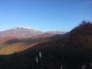 img 0873 300x225 - 湯沢町で絶景の紅葉刈り
