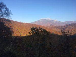 img 0875 300x225 - 湯沢町で絶景の紅葉刈り