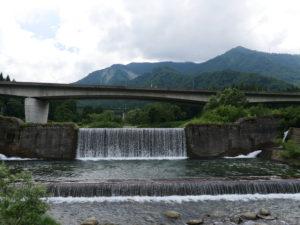 P1000237 300x225 - 湯沢町の絶景地「毛渡沢橋梁」