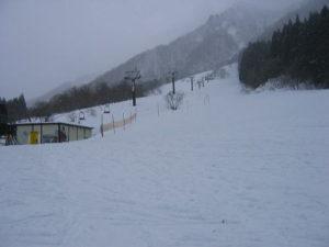 8e6a0d13a1fb11af42867b21c252d580 300x225 - 土樽スキー場のリフト